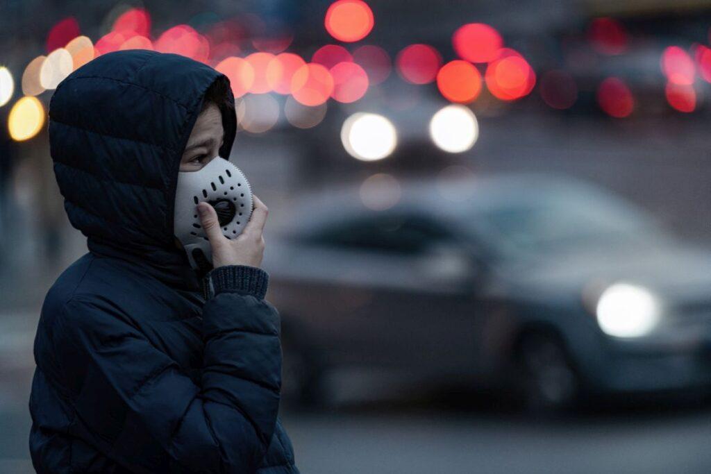 Czy warto nosić maski antysmogowe?