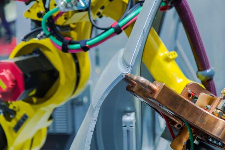 Automatyka przemysłowa – jakie korzyści przynosi?