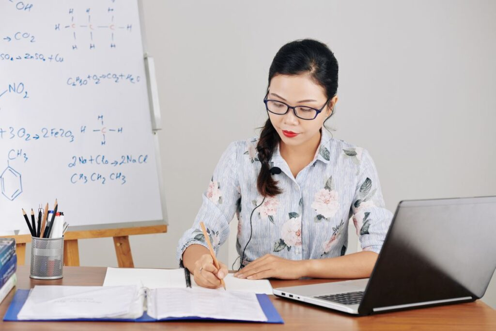 Nauczyciele uczą się online